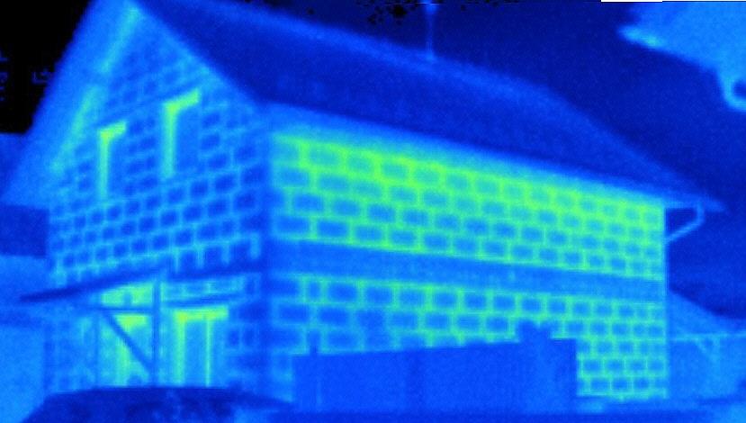 Náhodně objevený dům; novostavba s dokončenou fasádou, termovizní měření na Šumpersku, Olomoucku - termokamera Šumperk